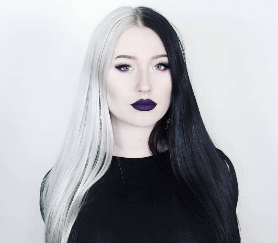 femme aux cheveux blancs et noirs de cruella de vil
