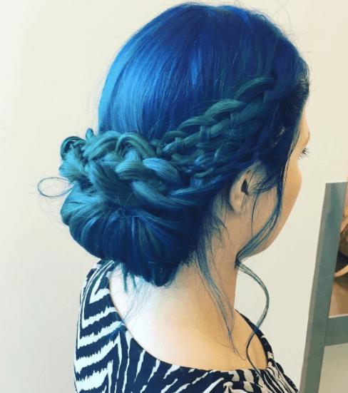 La couleur bleue des cheveux de sirène d'après Instagram @tryitchick22