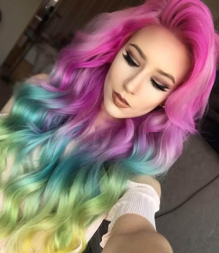cheveux arc-en-ciel de sirène