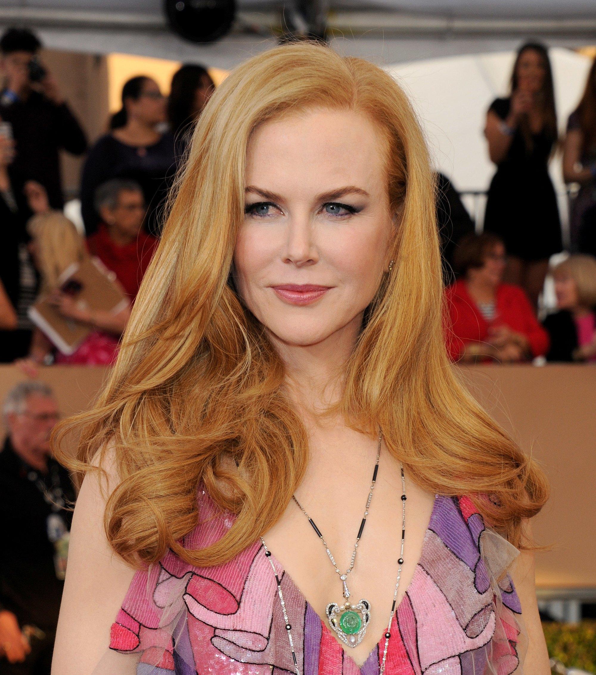 Nicole Kidman avec des cheveux blonds à la fraise séchés