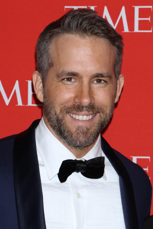 Ryan Reynolds : cheveux châtains clairs en coupe effilée sur un tapis rouge