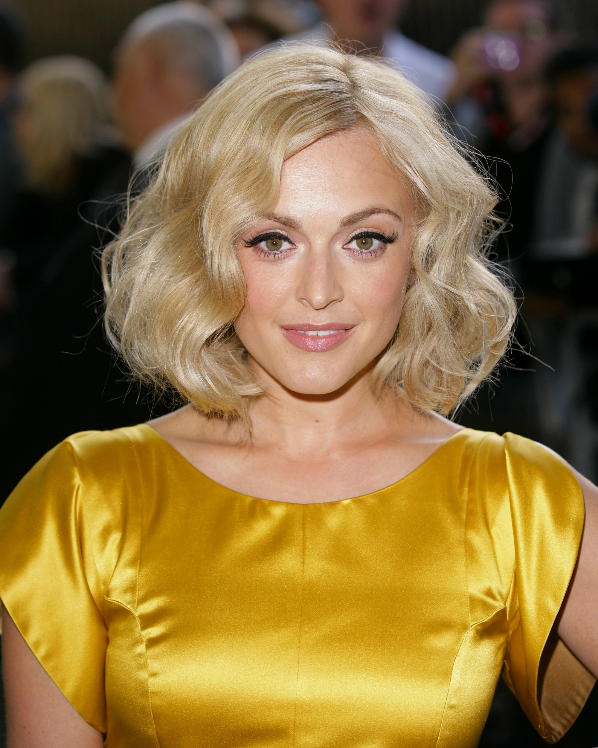 Fearne Cotton avec un bob ondulé rétro blond