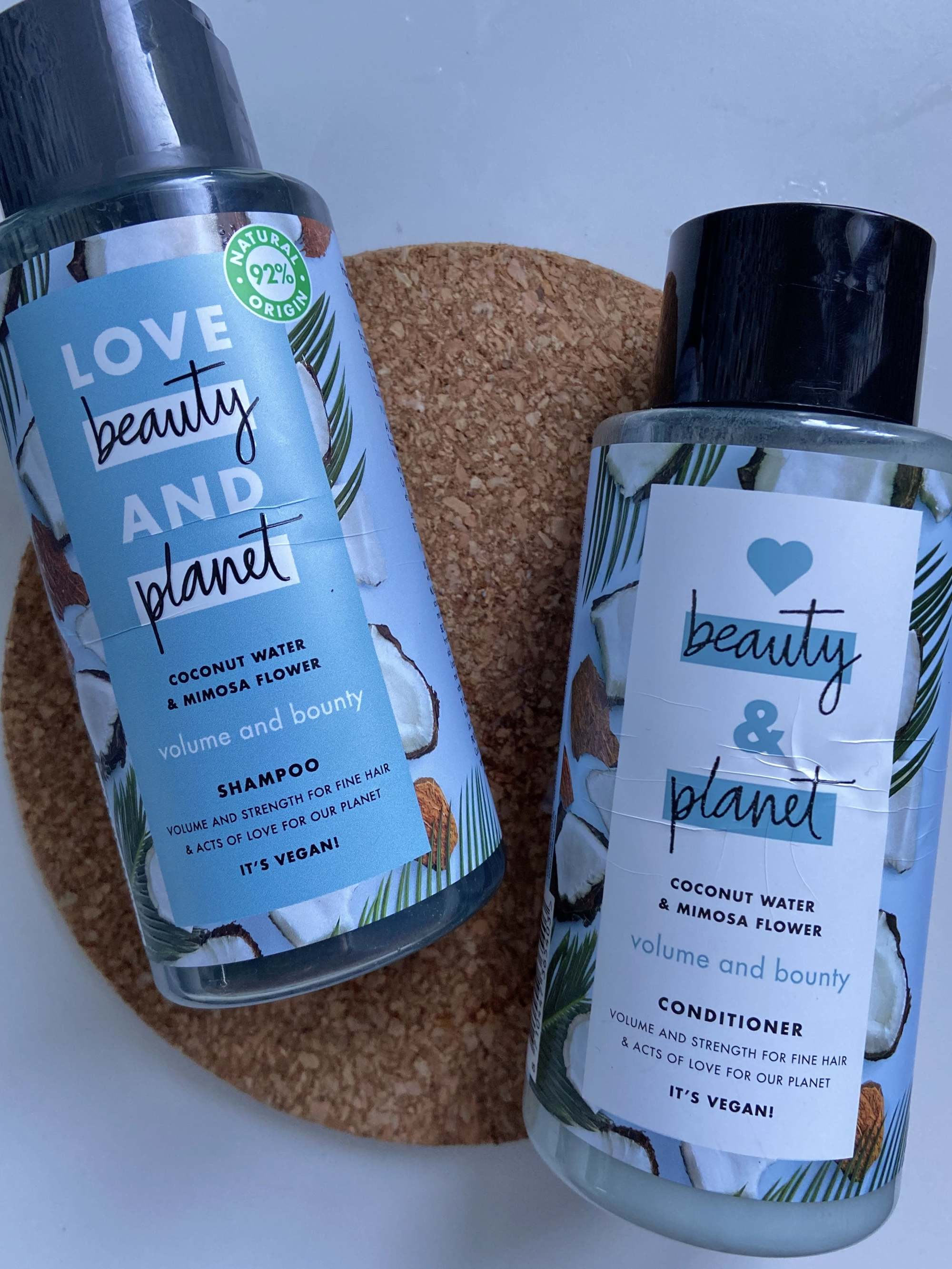 Shampooing et après-shampooing Love Beauty and Planet Volume et Bounty