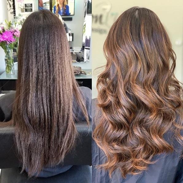 Avant et après d'une femme aux cheveux longs avec un balayage brun