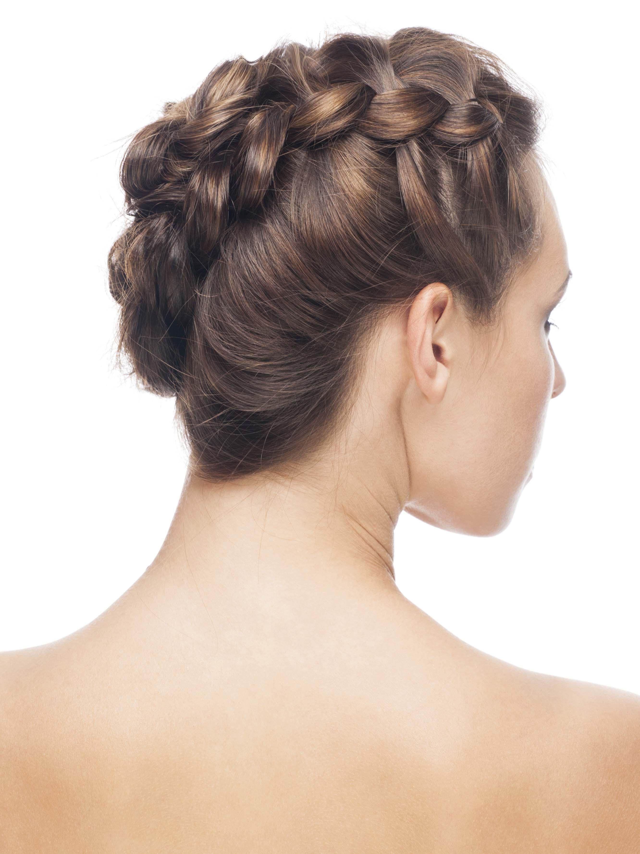 tresse latérale en cheveux bruns
