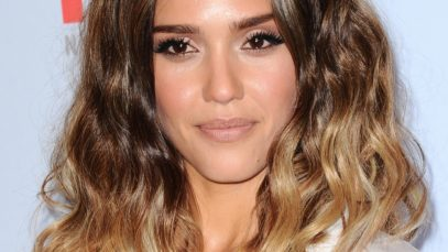 jessica alba with a warm toned golden brown ombre wavy lob