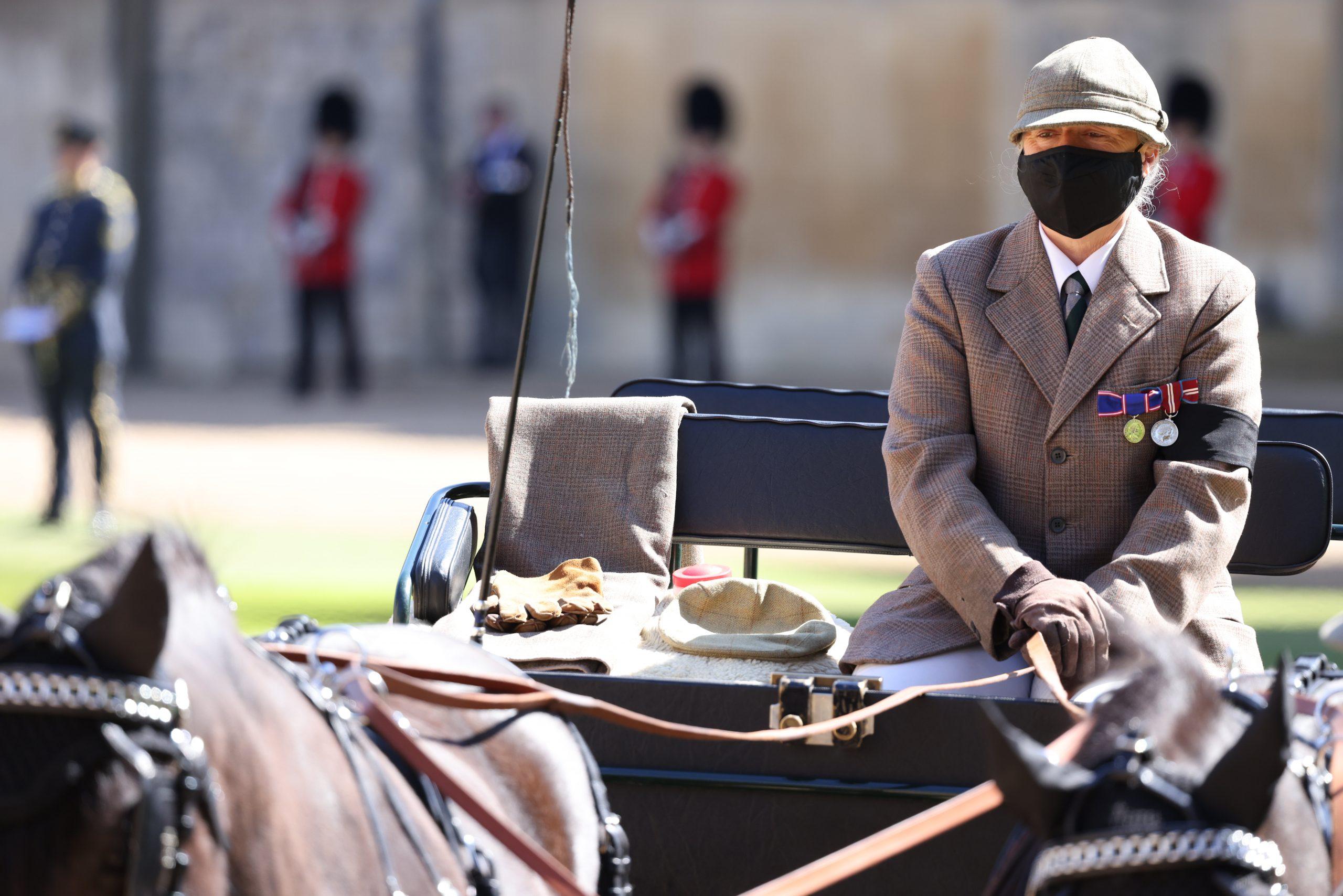Voiture tirée par des chevaux vue dans le Quadrangle avant les funérailles du Prince Philip, Duc d'Edimbourg au Château de Windsor le 17 avril 2021 à Windsor, Angleterre.