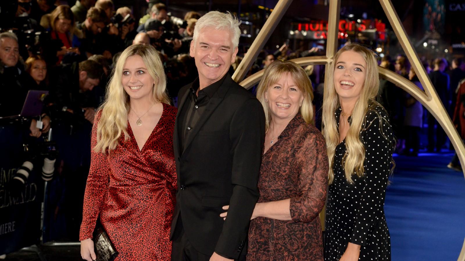 Phillip Schofield, sa femme Stephanie Lowe et leurs filles Ruby et Molly.