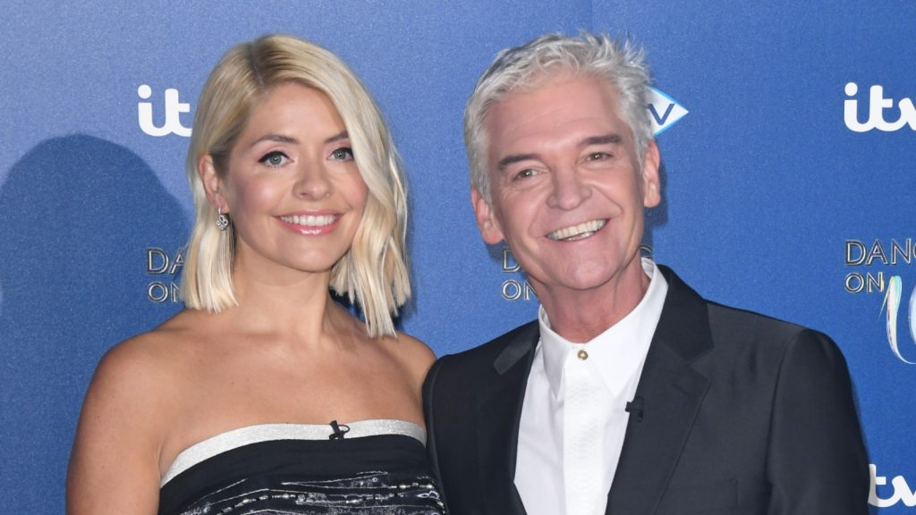 Holly Willoughby et Phillip Schofield pendant l'émission Dancing On Ice.