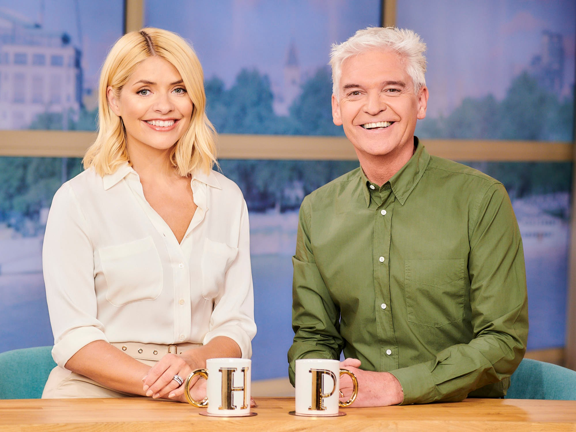 Holly Willoughby et Philip Schofield présentent This Morning ensemble.