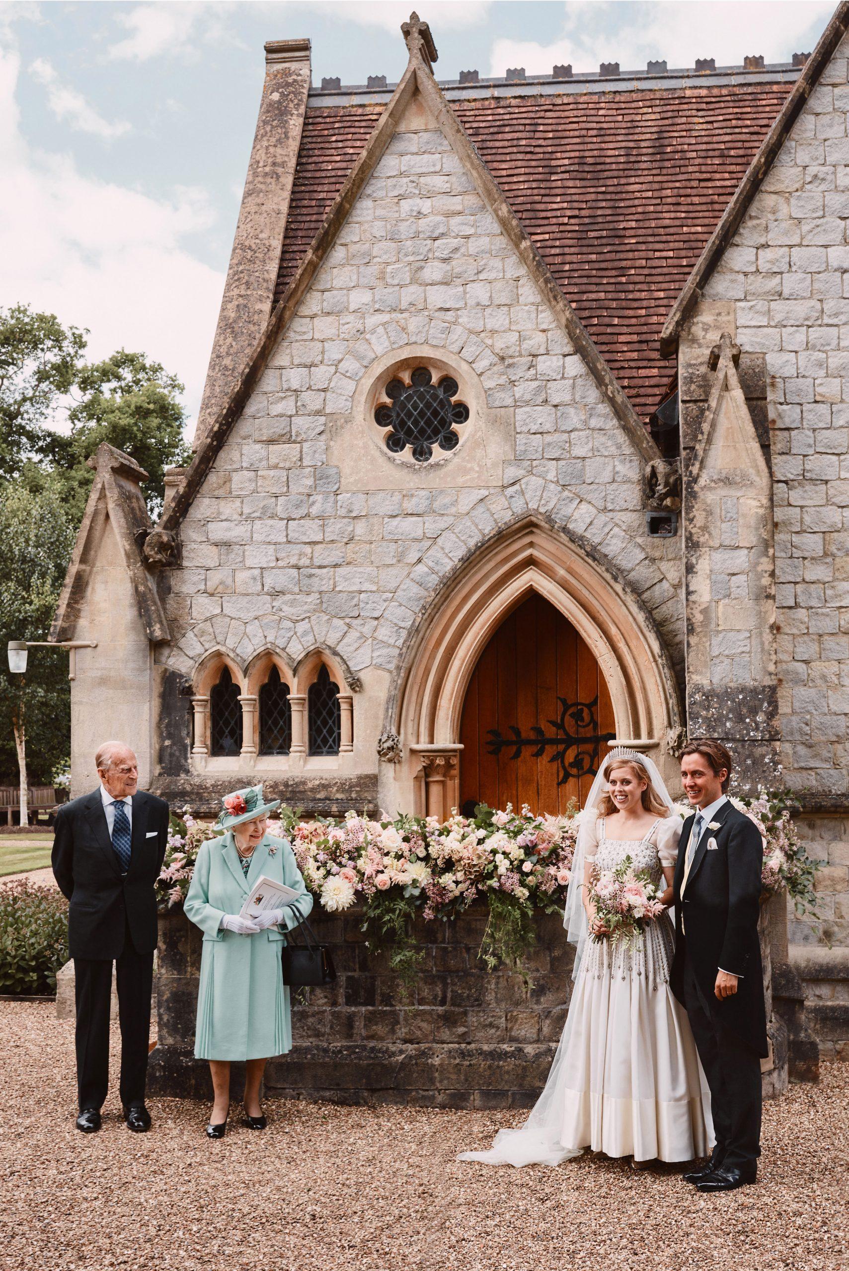 Le mariage de la princesse Beatrice a eu lieu à la chapelle All Saints, en présence de la reine et du prince Philip.