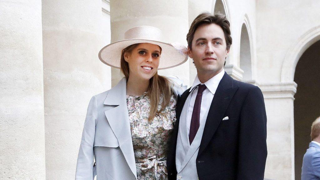 La princesse Beatrice d'York et son fiancé Edoardo Mapelli Mozzi assistent au mariage royal du prince Jean-Christophe Napoléon et d'Olympia Von Arco-Zinneberg aux Invalides, le 19 octobre 2019 à Paris, en France.
