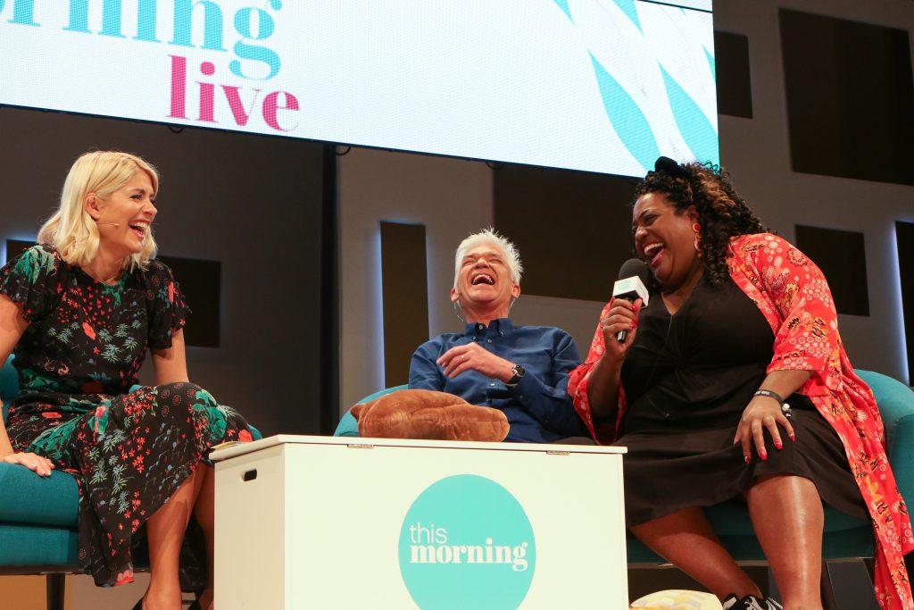 Les présentateurs Holly Willoughby, Phillip Schofield et Alison Hammond à 'This Morning Live', au NEC de Birmingham.