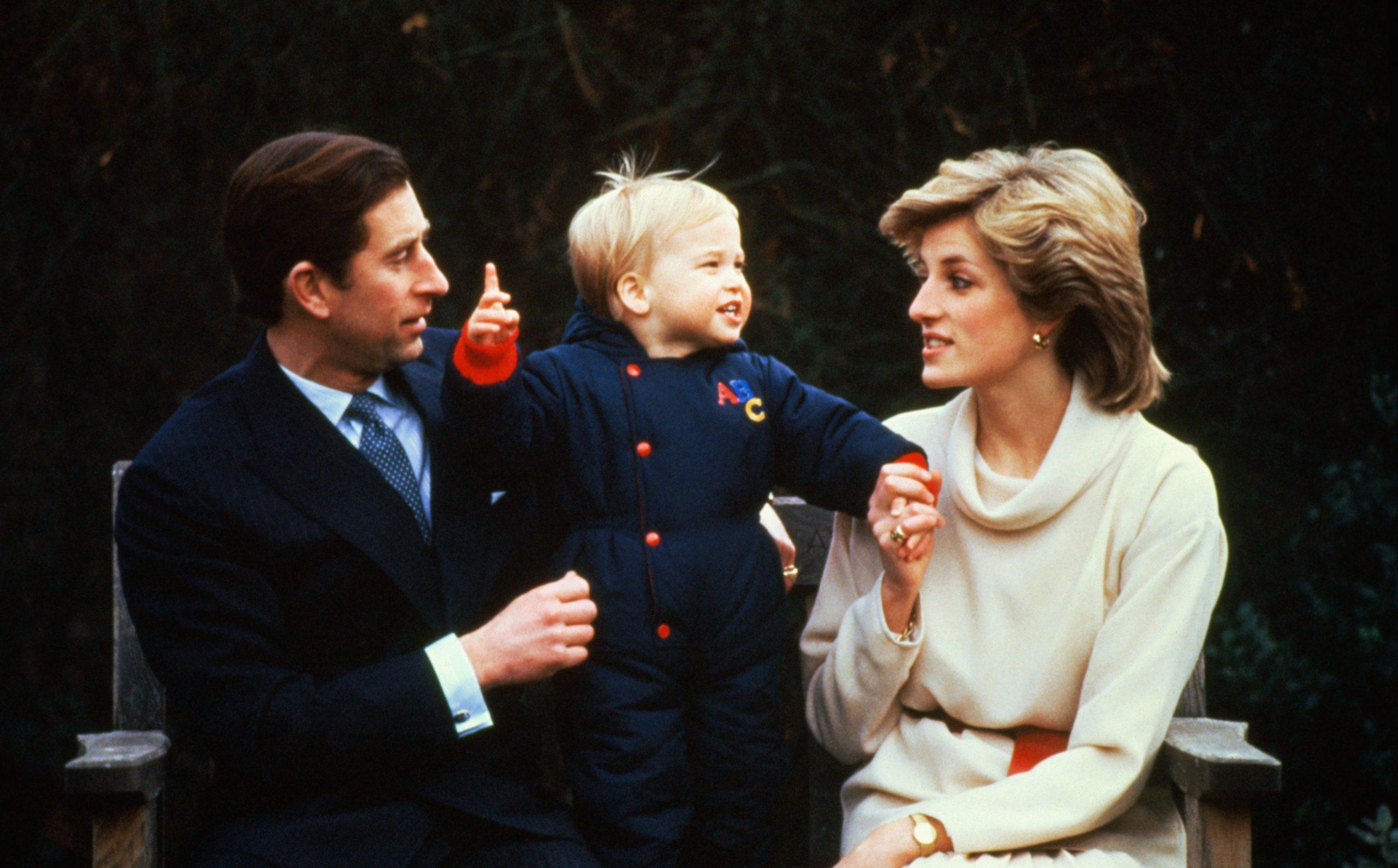 Le Prince William, Diana et son père le Prince Charles.