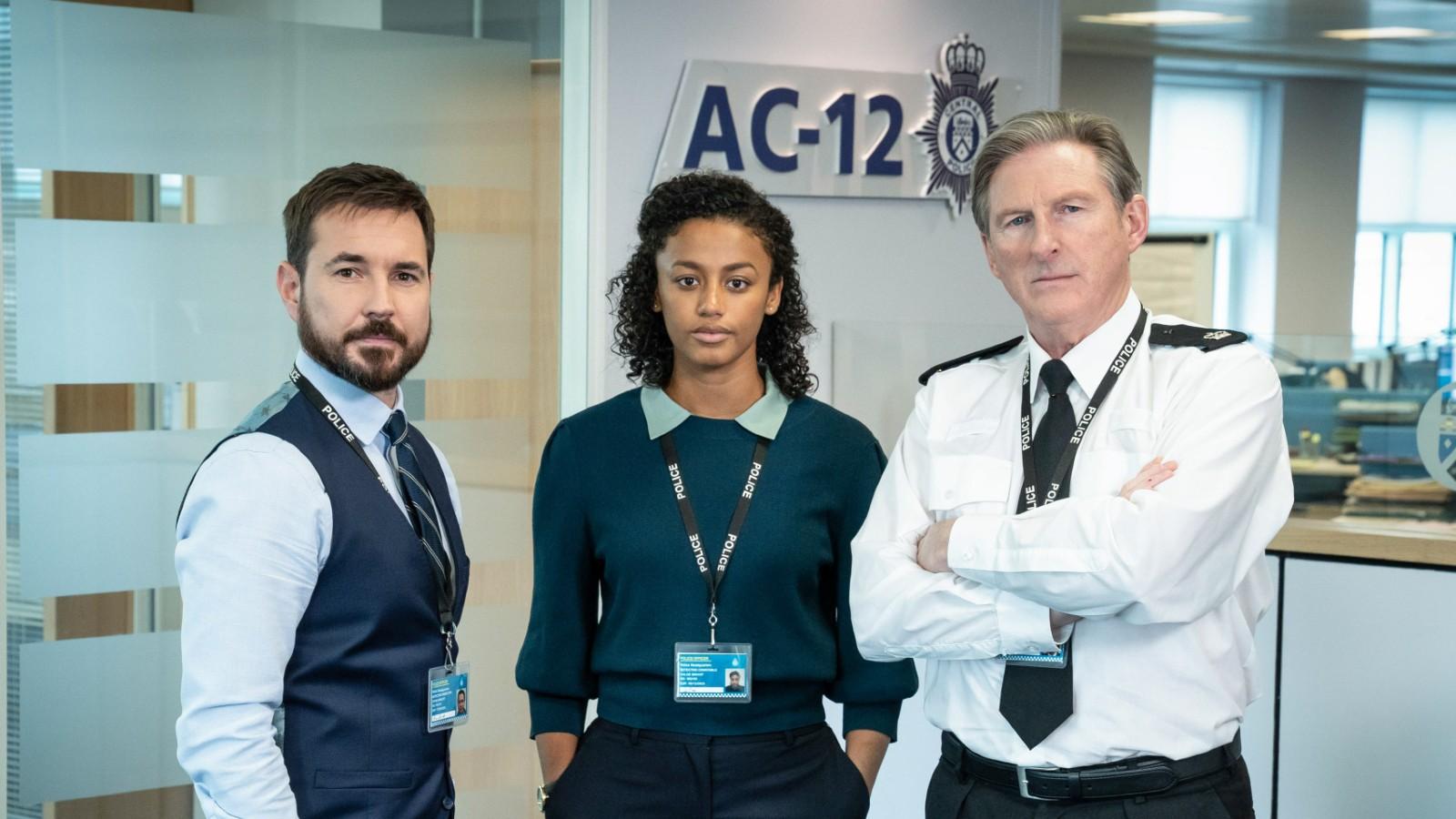Les acteurs de la série 6 de Line of Duty : Martin Compston, Shalom Brune-Franklin et Adrian Dunbar.