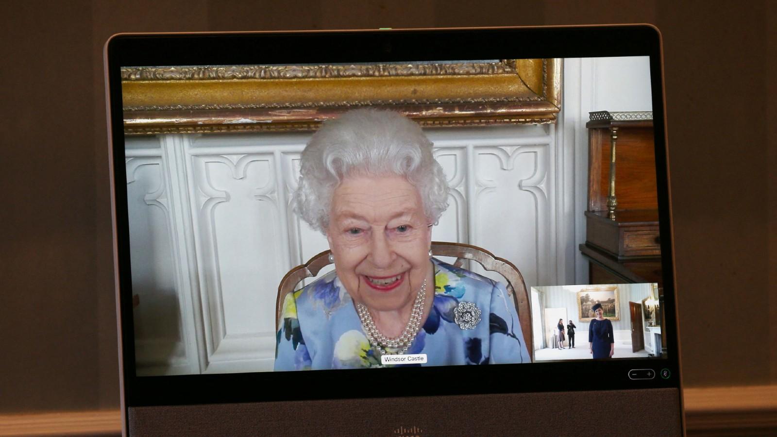 Appel zoom de la reine