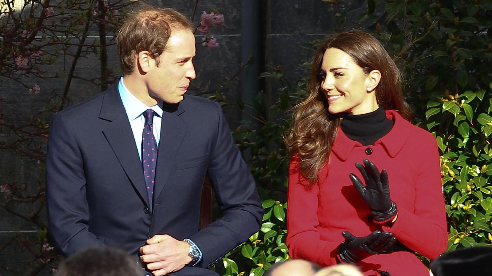 Le Prince William et Kate Middleton retournent à l'Université de St Andrews.