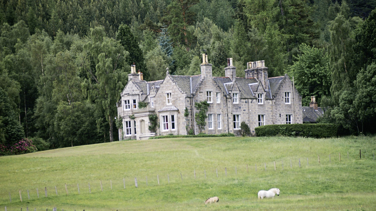 Craigowan Lodge, Balmoral