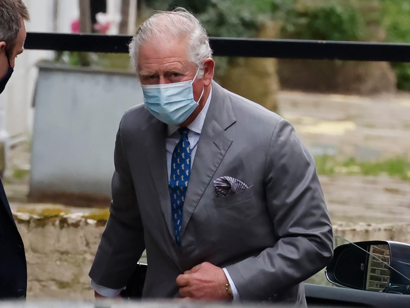 Le Prince Charles rend visite au Prince Philp à l'hôpital King Edward VII