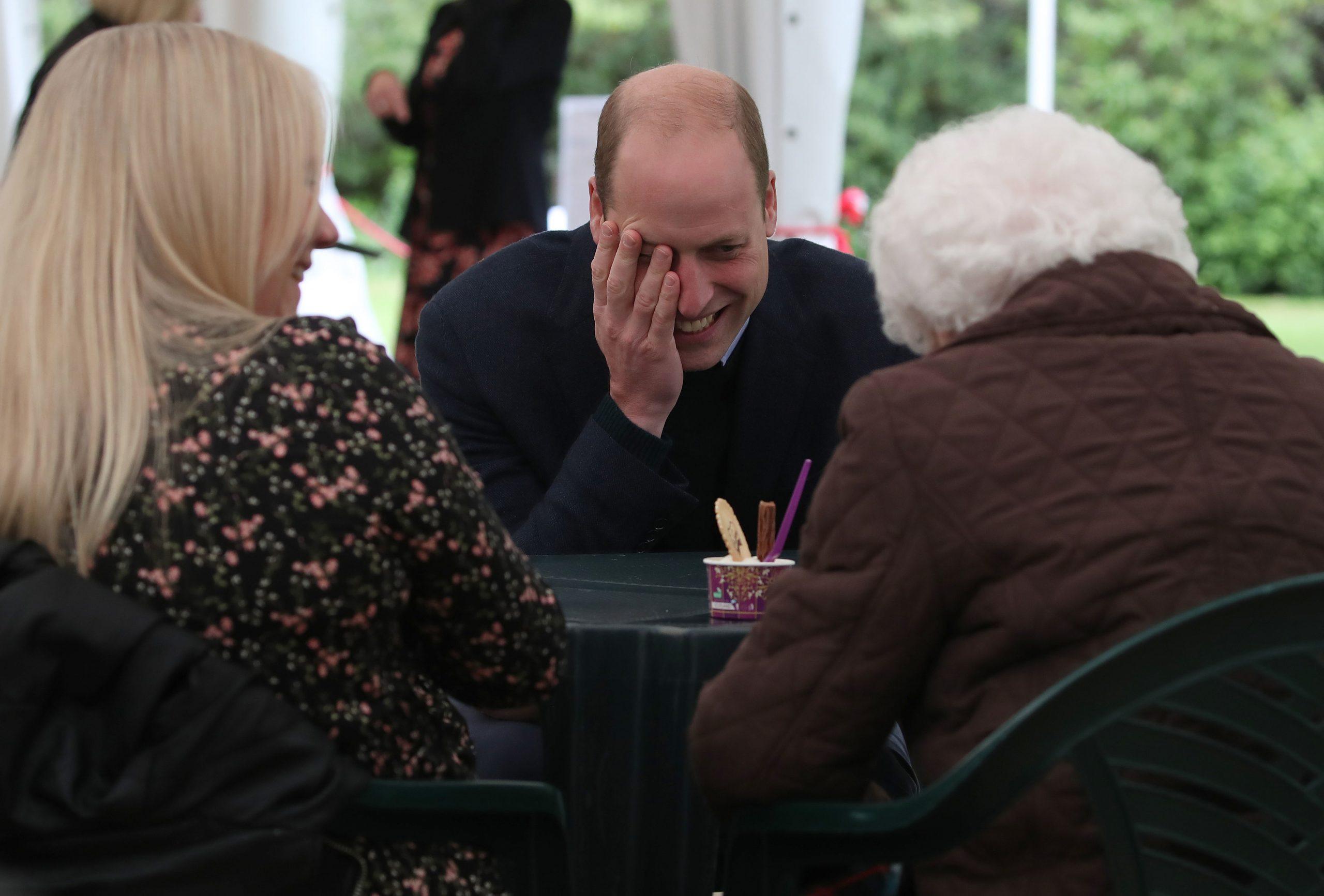 Le Prince William rougit d'embarras