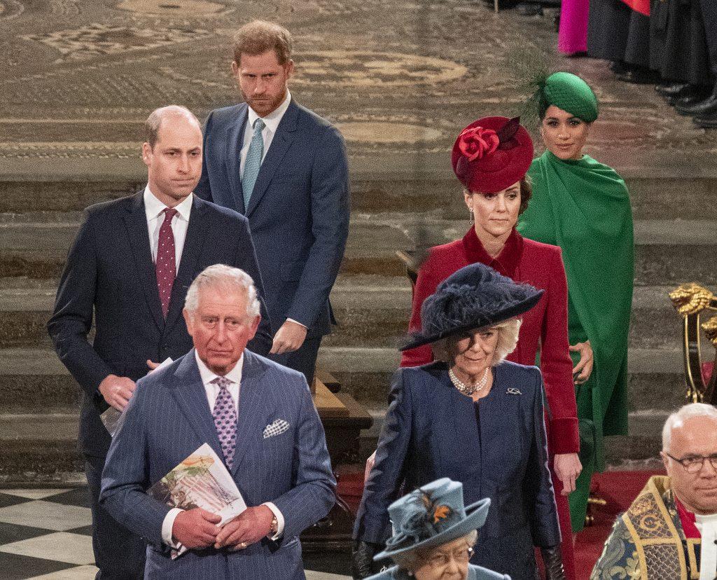 Le prince William, duc de Cambridge, Catherine, duchesse de Cambridge, le prince Harry, duc de Sussex, Meghan, duchesse de Sussex, le prince Charles, prince de Galles et Camilla, duchesse de Cornouailles, assistent au Commonwealth Day Service 2020 le 9 mars 2020 à Londres, en Angleterre.