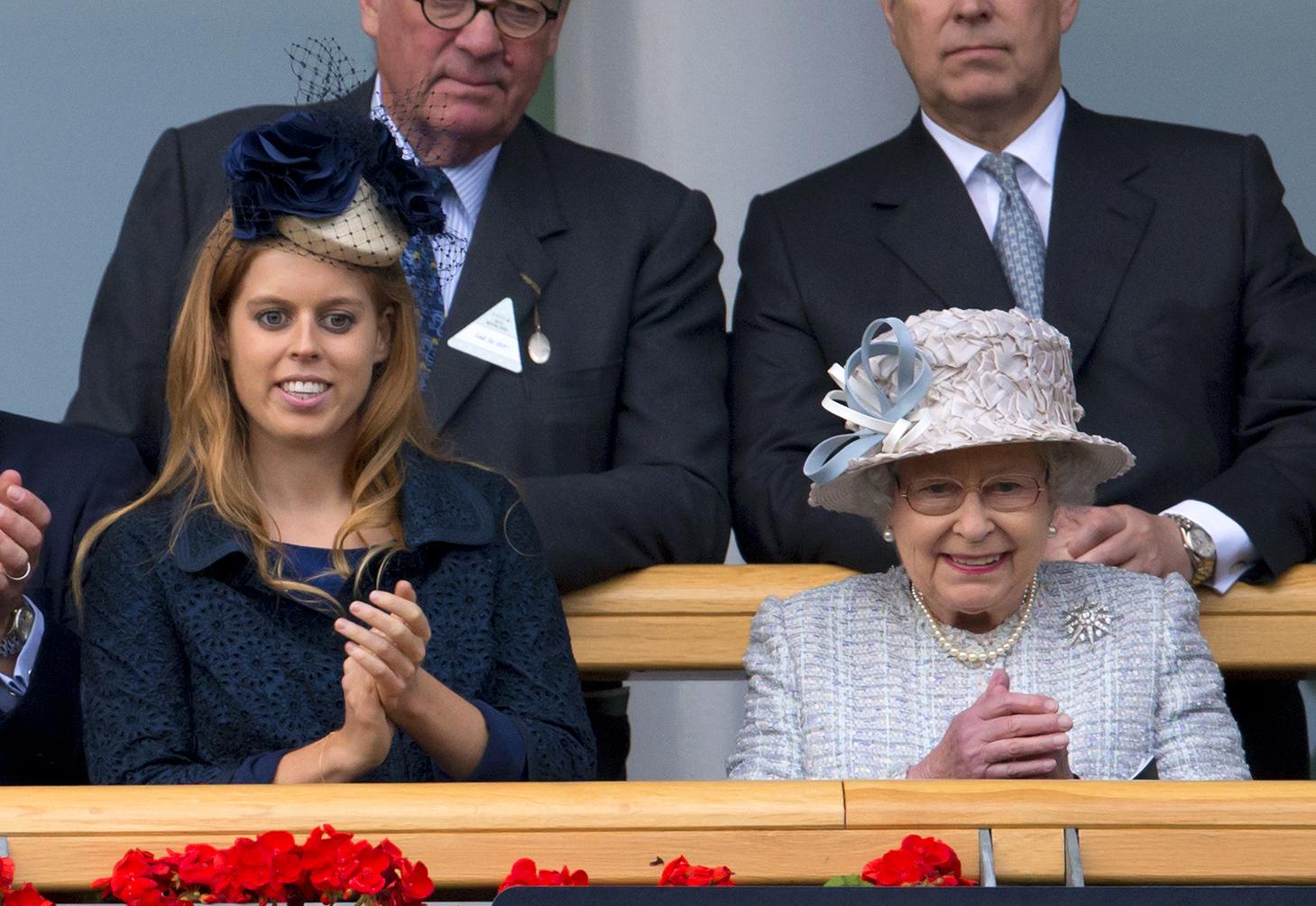 La princesse Beatrice et la reine