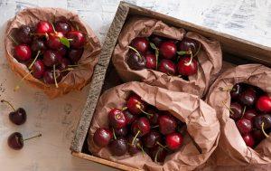 Fruits à faible teneur calorique Cerises fraîches en sachet papier