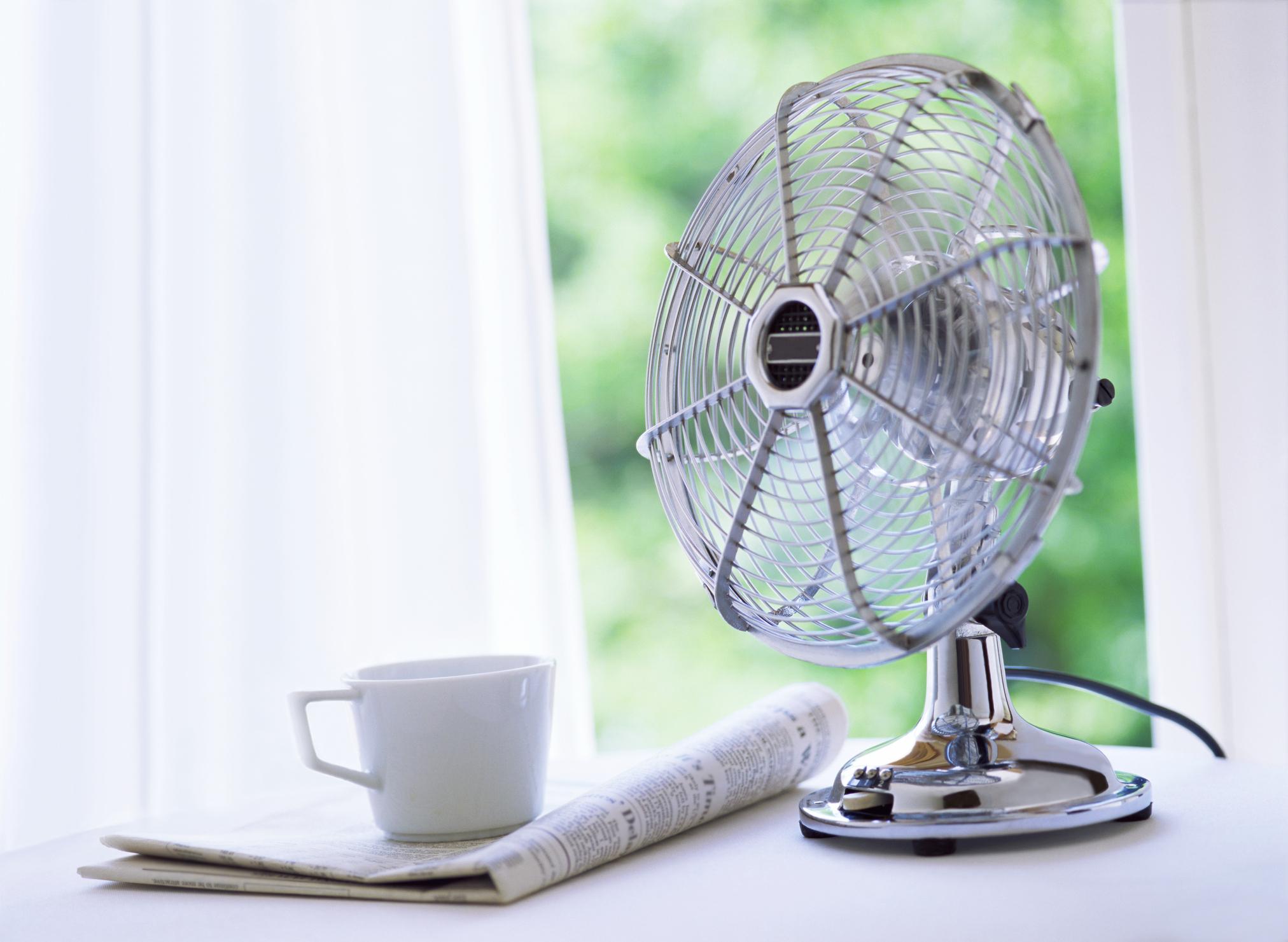 Comment garder votre maison fraîche en été - essayez un ventilateur.