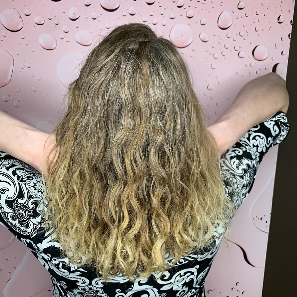 permanente body wave pour cheveux bouclés