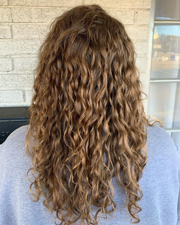 Perm frisé pour les cheveux longs