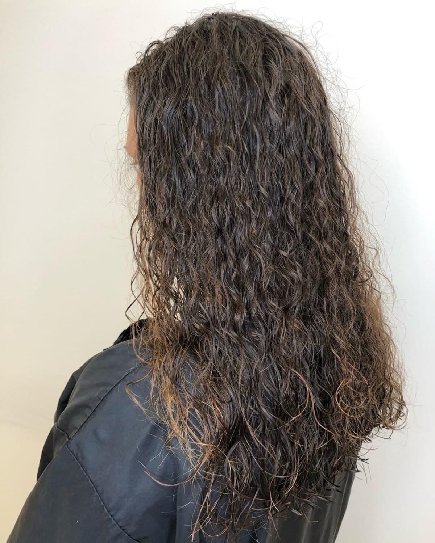 permanente spirale piggyback sur cheveux lisses