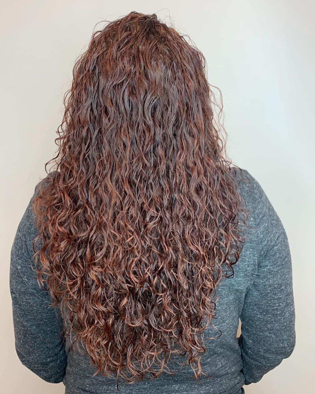 perms spirales partielles pour cheveux longs