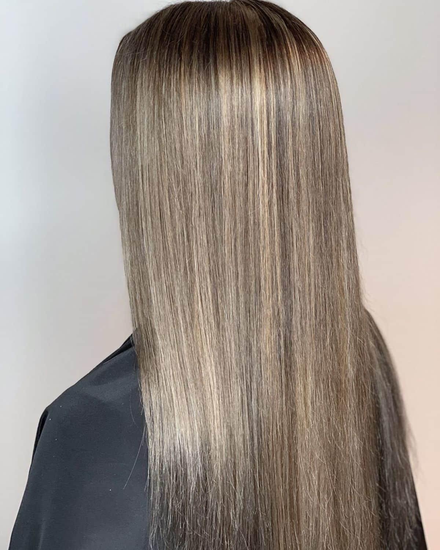 Cheveux châtain cendré foncé clair