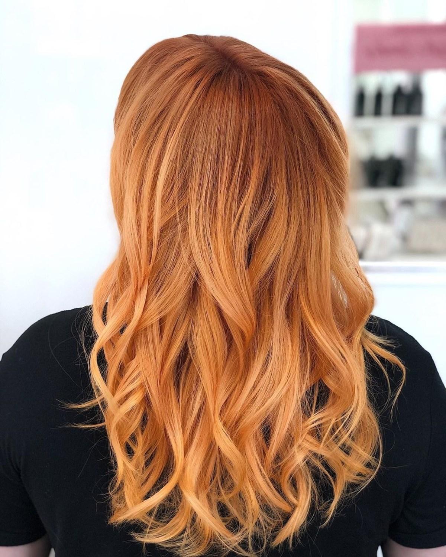 brun cendré clair sur cheveux orange