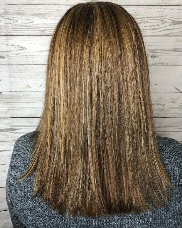 Mèches partielles sur cheveux raides