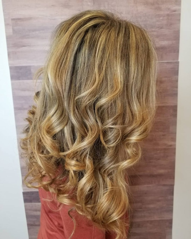Mèches partielles pour cheveux blond sale