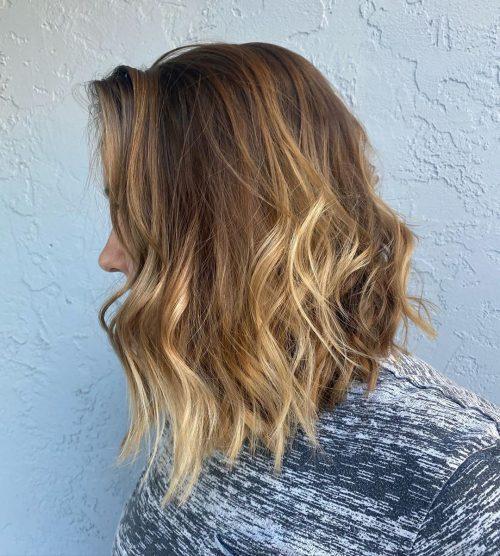 Magnifique cheveux mi-longs ondulés