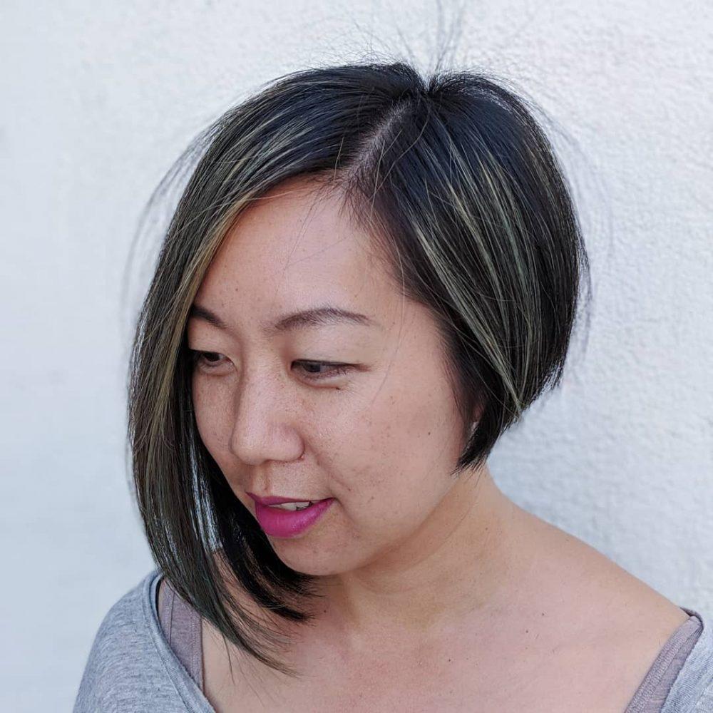 coupe de cheveux courte asymétrique pour cheveux fins