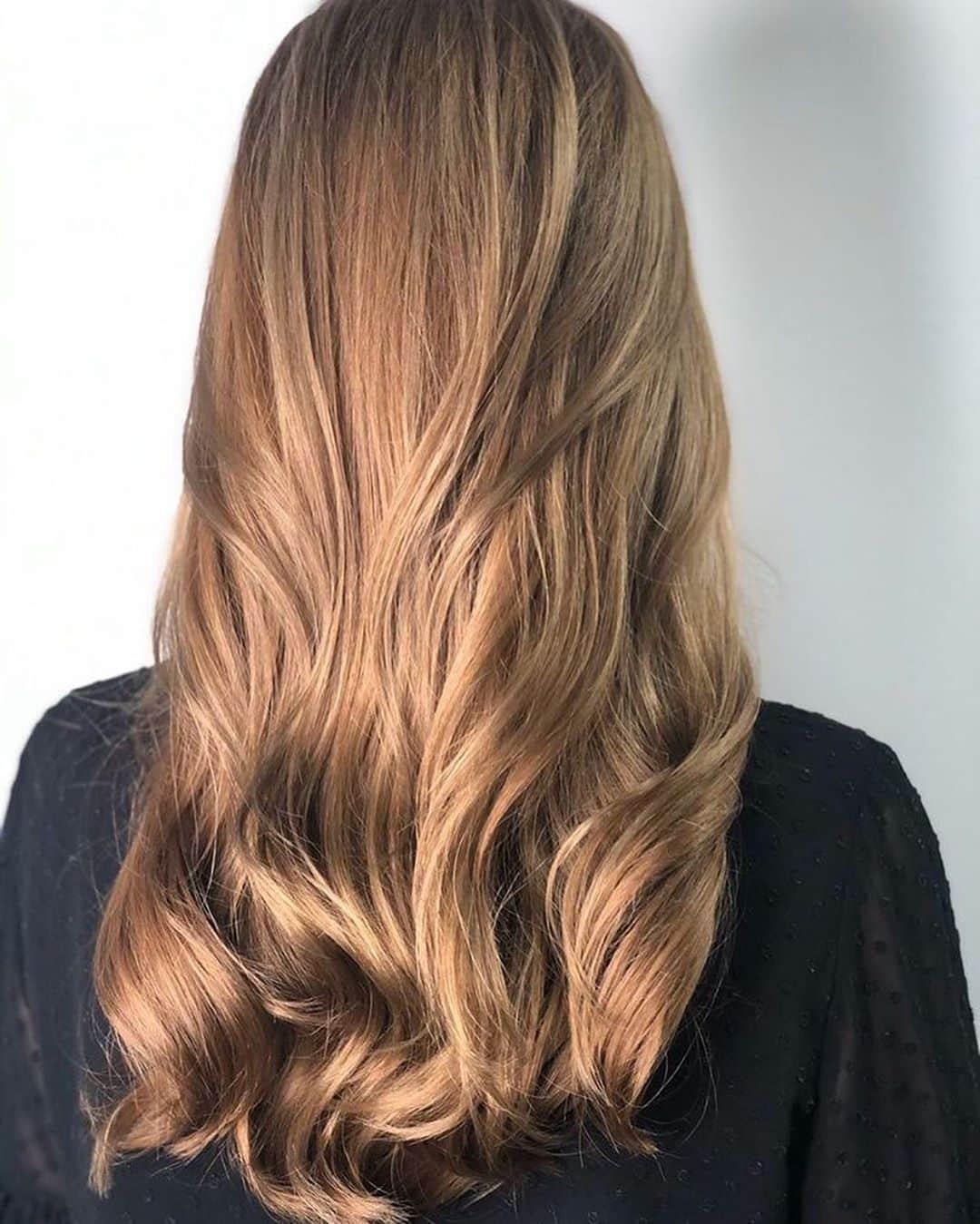 Cheveux châtain clair doré