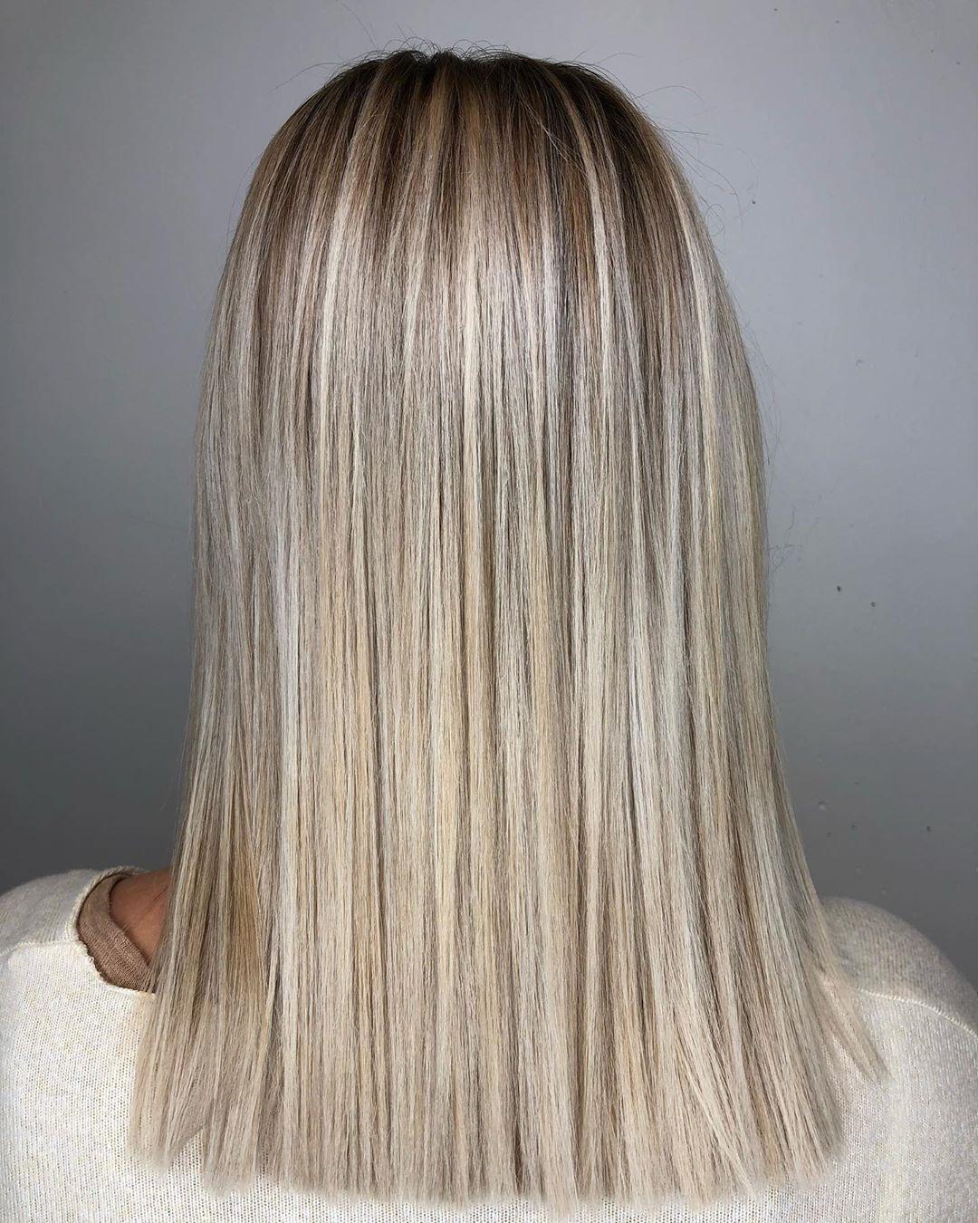 blond cendré clair sur cheveux cuivrés