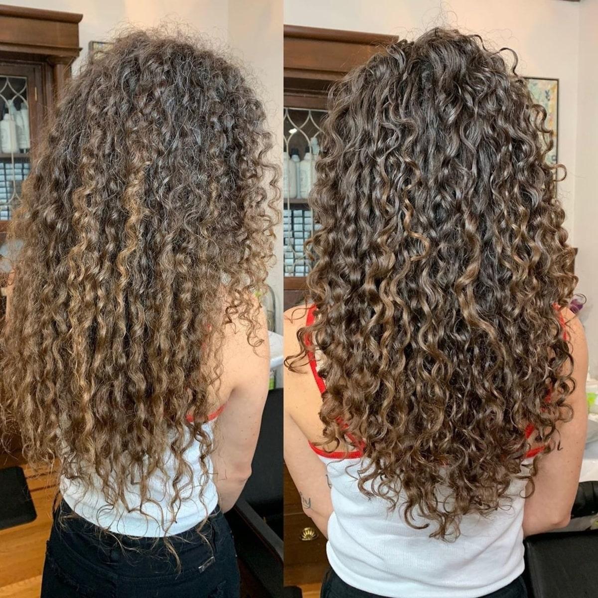 Cheveux longs et bouclés avec des couches