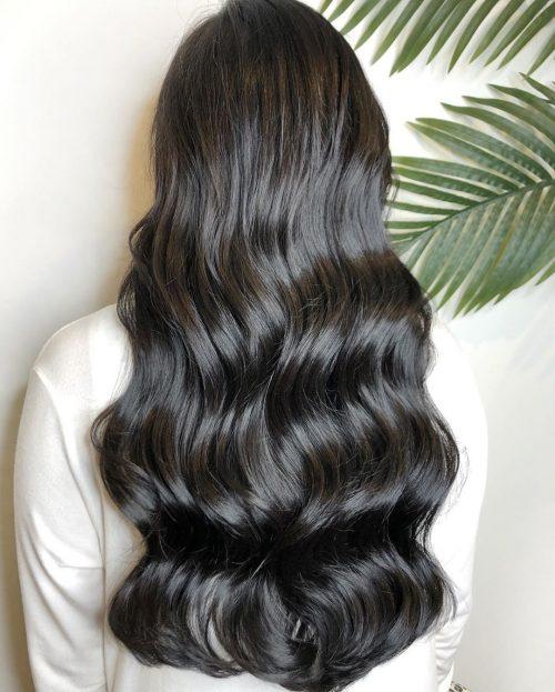 cheveux longs avec de grosses vagues
