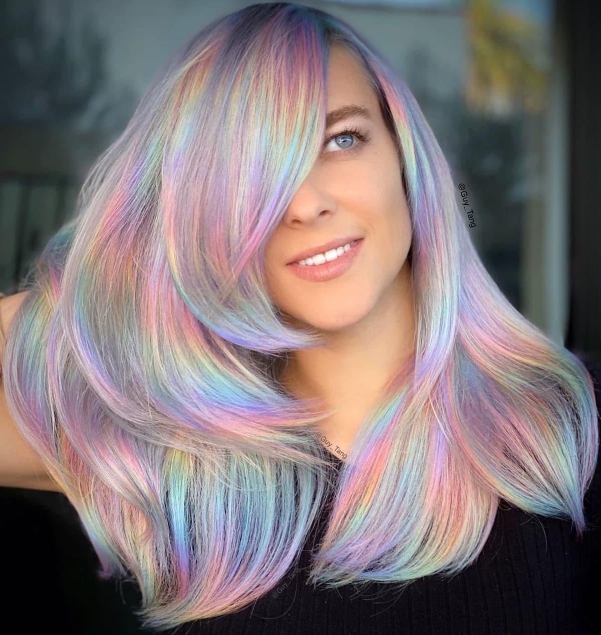 Cheveux arc-en-ciel holographiques