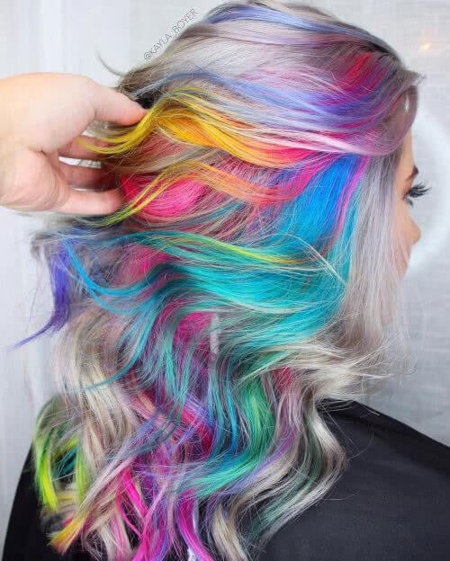couleur de cheveux moonstone arc-en-ciel