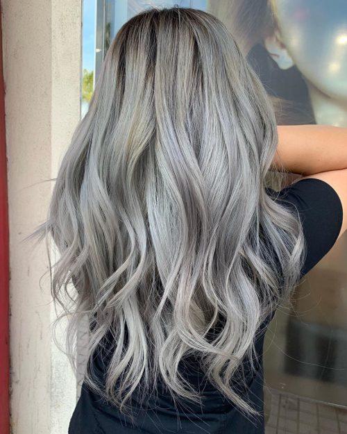 Balayage blond gris cendré