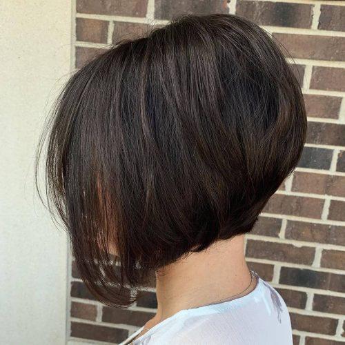 Jolie coupe de cheveux empilés en ligne A