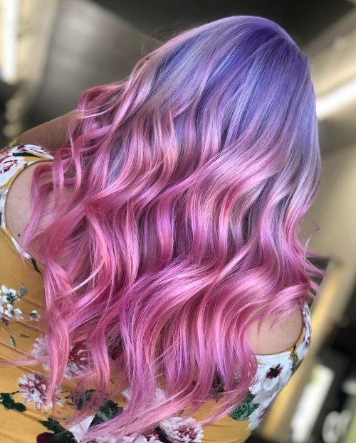 Cheveux de licorne violets et roses