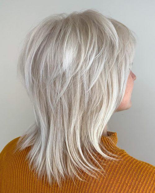 Volume plumeux pour cheveux fins et raides