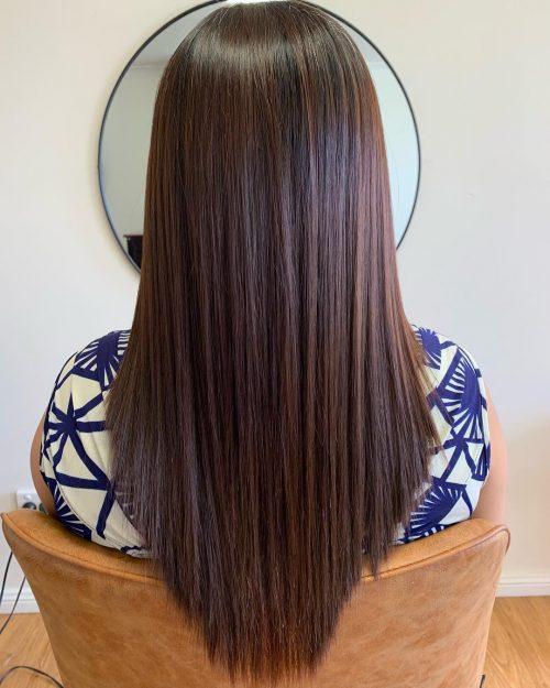 Coupe en V pour cheveux fins
