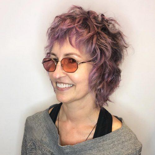 Coupe de cheveux dégradés pour cheveux fins sur une femme de 50 ans